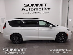 New 2021 Chrysler Pacifica TOURING L Passenger Van for sale in Fond du Lac, WI