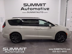 New 2021 Chrysler Pacifica LIMITED AWD Passenger Van for sale in Fond du Lac, WI