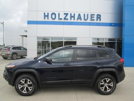 Featured pre-owned vehicles 2015 Jeep Cherokee Trailhawk 4x4 SUV for sale near you in Cherokee, IA