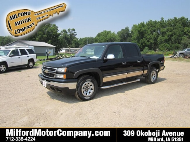 Bargain used vehicle 2006 Chevrolet Silverado 1500 Truck Crew Cab for sale near you in Cherokee, IA