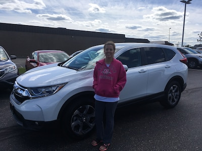 Jill of Raymond , NH with her Newly Leased 2019 Honda CR-V EX