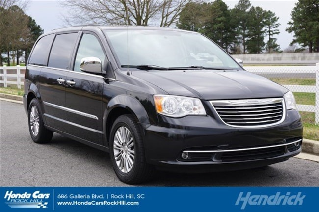 2013 Chrysler Town & Country Touring-L Minivan