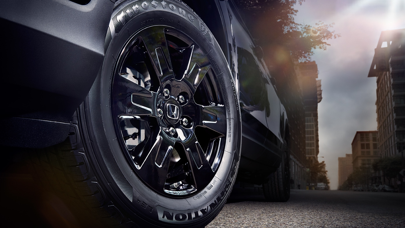 2018-honda-ridgeline-gloss-black-alloy-rims.jpg