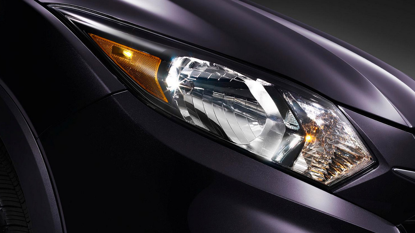 2018-honda-hrv-lights-detail.jpg