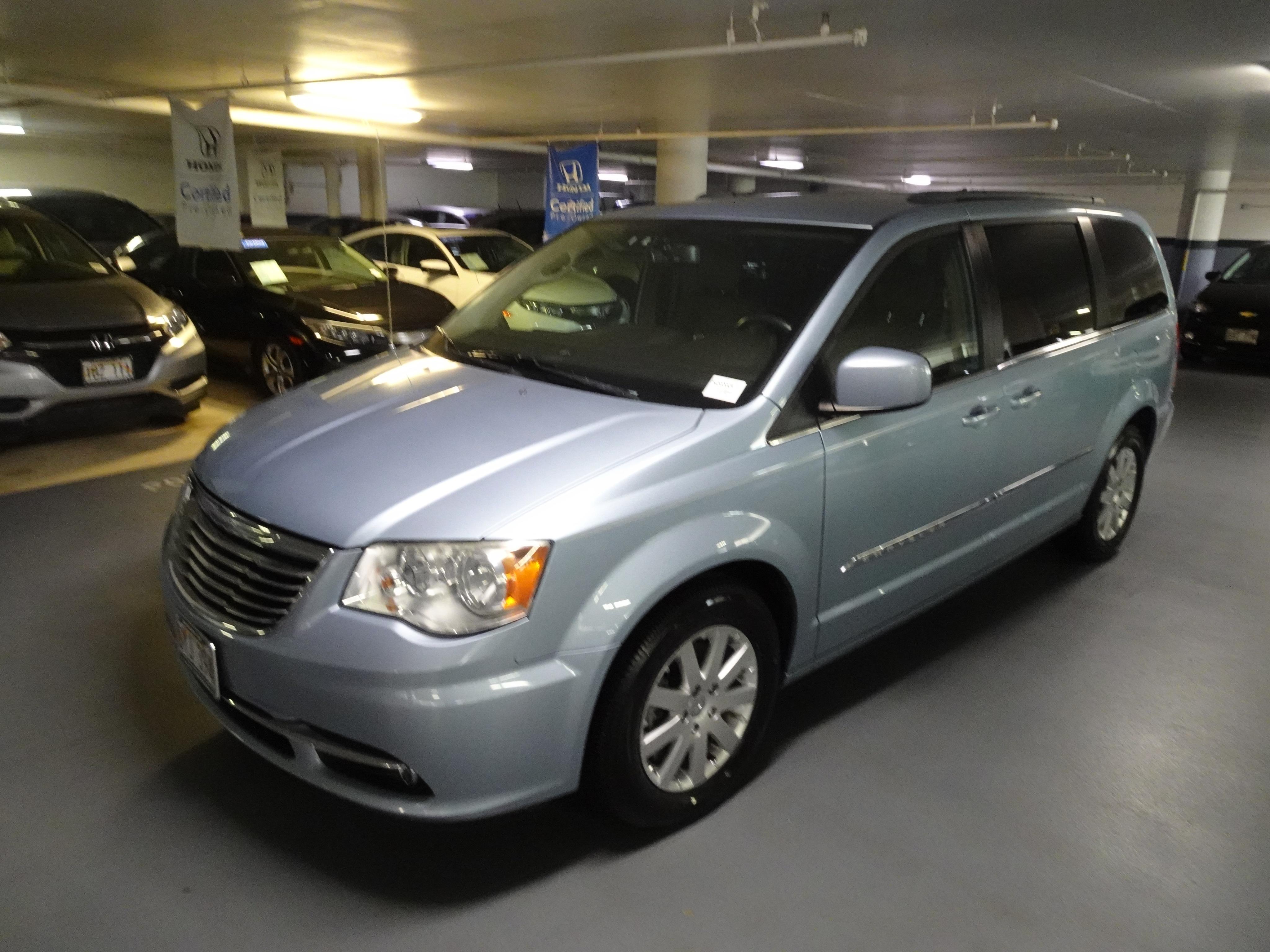 Used 2013 Chrysler Town & Country Touring Minivan/Van in Honolulu