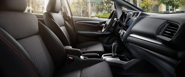 2018 Honda Fit Sport cockpit