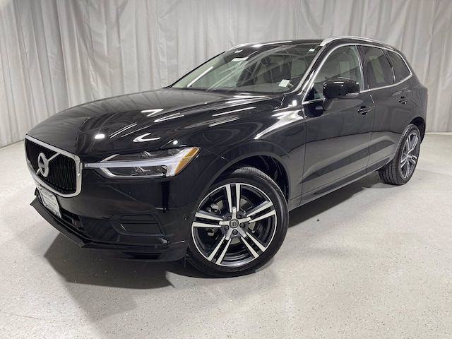 Featured used 2018 Volvo XC60 Momentum T5 AWD Momentum for sale in Chicago, IL
