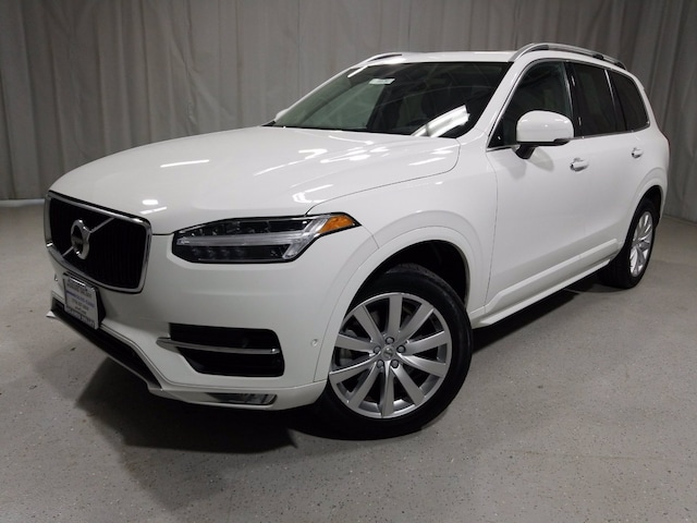 Featured used 2018 Volvo XC90 Momentum T6 AWD 7-Passenger Momentum for sale in Chicago, IL