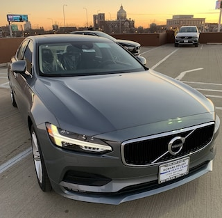 New 2018 Volvo S90 T5 AWD Momentum Sedan in Chicago