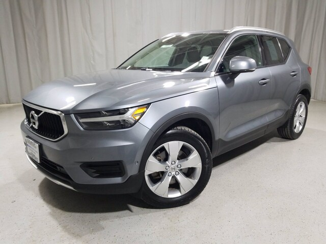 Featured used 2019 Volvo XC40 T5 XC40T5AWDMOM for sale in Chicago, IL