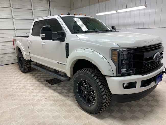 2019 Ford F-250SD Lariat Lifted Truck