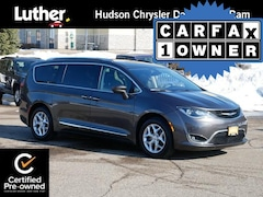 2018 Chrysler Pacifica Touring L Plus FWD Van