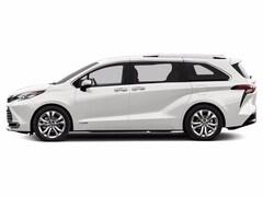 2021 Toyota Sienna XLE 7 Passenger Van