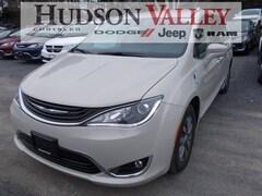 2019 Chrysler Pacifica Hybrid Touring L Hybrid Touring L FWD