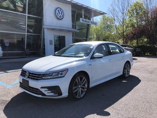 2018 Volkswagen Passat 2.0T R-Line Sedan