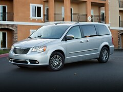 Used 2013 Chrysler Town & Country Touring Van LWB Passenger Van for sale in McKinney, TX