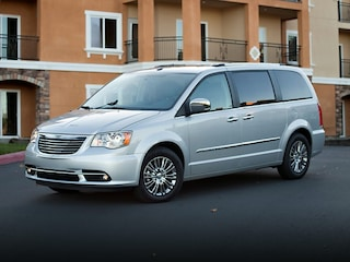 2013 Chrysler Town & Country Touring Van LWB Passenger Van