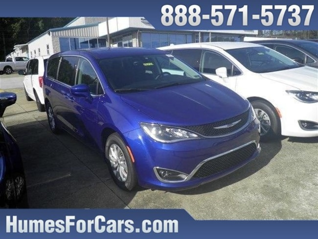 2019 Chrysler Pacifica TOURING PLUS Passenger Van Waterford