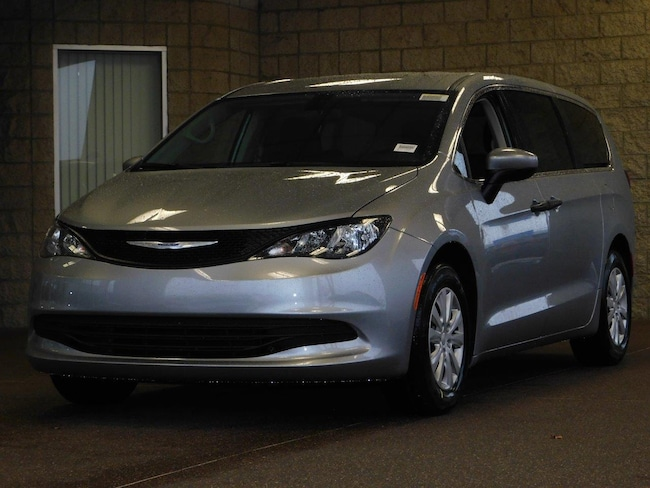 New 2019 Chrysler Pacifica L Passenger Van For Sale in Lancaster, CA