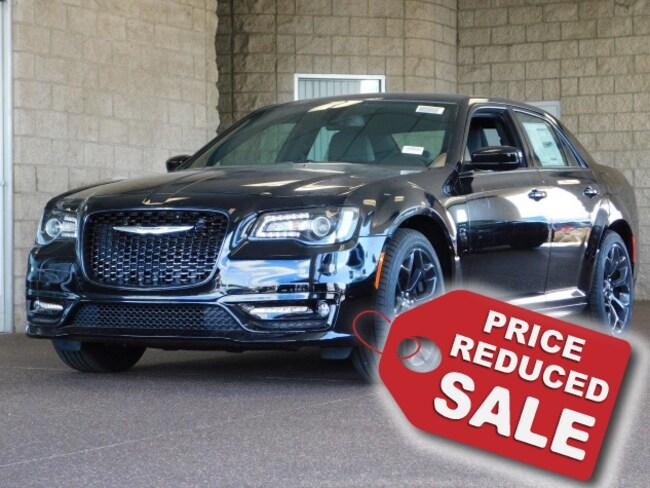 New 2019 Chrysler 300 S Sedan For Sale in Lancaster, CA