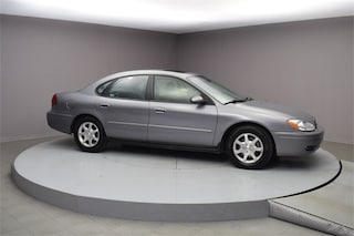Pre-Owned 2006 Ford Taurus SEL Sedan C99015B under $10,000 for Sale in Hendersonville
