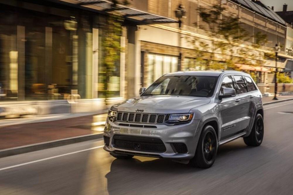 2019 Jeep Grand Cherokee Dark Gray Front Exterior