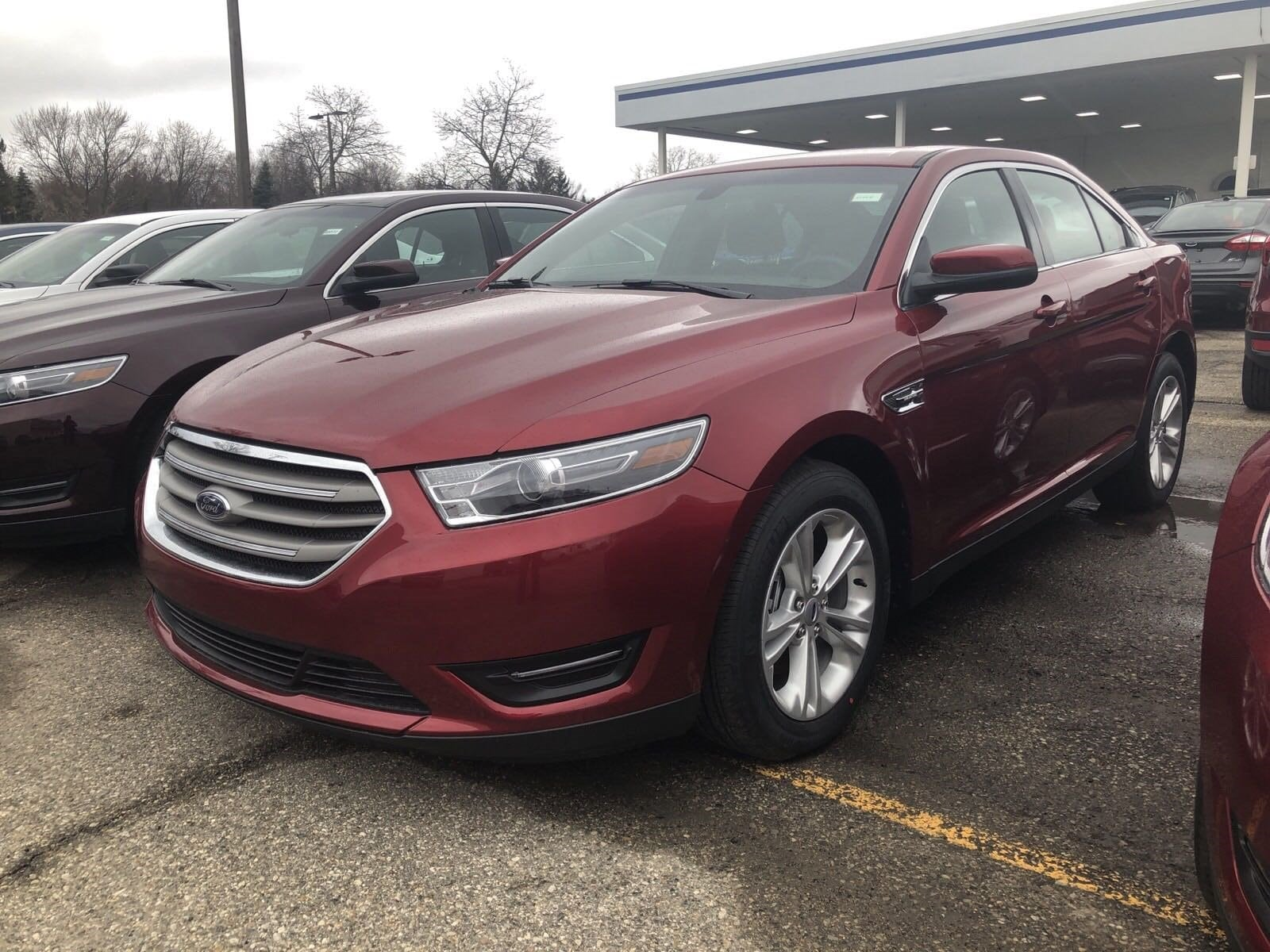 New 2019 Ford Taurus For Sale at Huntington Ford   VIN: 1FAHP2H81KG110527