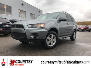 2013 Mitsubishi Outlander ES * ALL-WHEEL DRIVE, BLUETOOTH, AND HEATED SEATS