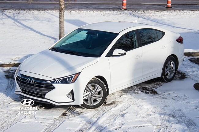 2019 Hyundai Elantra Luxury at Sedan