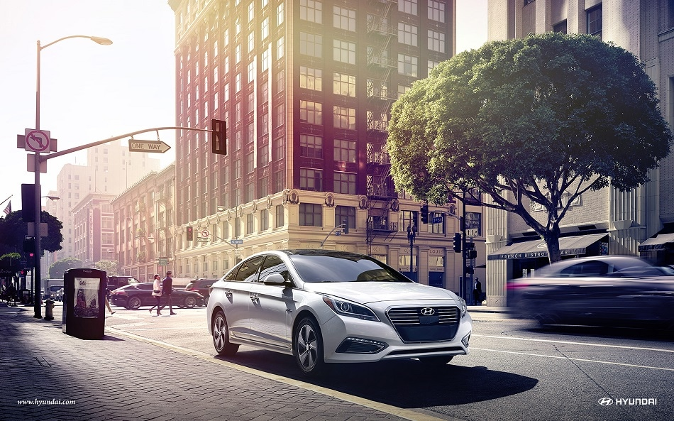 2017 Hyundai Sonata Hybrid in the city
