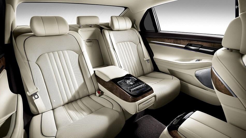 2017 Hyundai Equus Genesis G90 | McGrath Hyundai - Dubuque ...