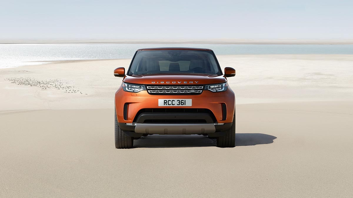 2018 Land Rover Discovery front fascia