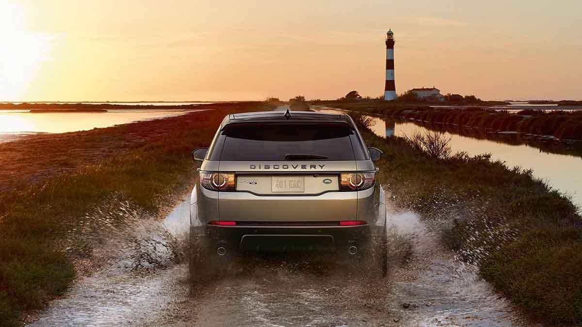 2018 Land Rover Discovery Sport Off Roading through Water.jpg