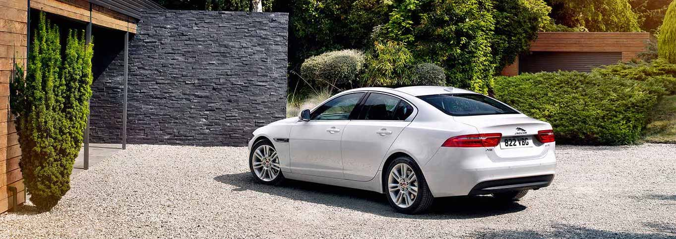 2018 Jaguar XE Trim Options n Lake Bluff, IL