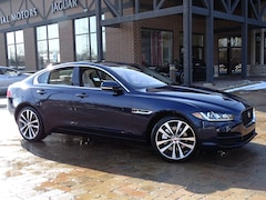 New 2018 Jaguar XE 25t Prestige Sedan SAJAK4FX8JCP36406 for sale in Lake Bluff, IL