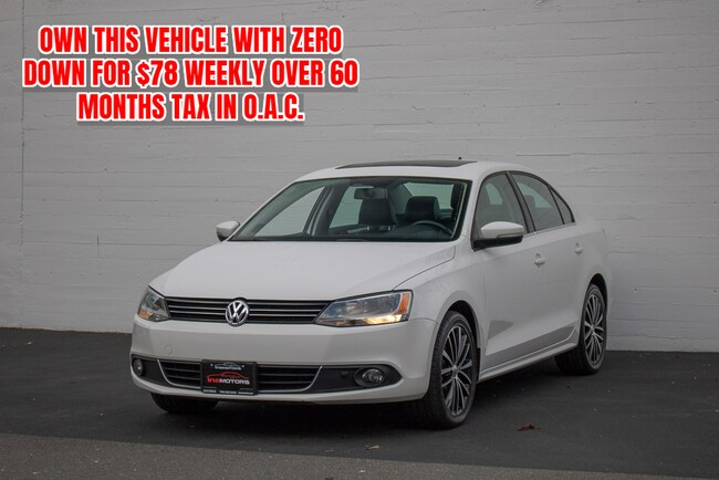 2013 Volkswagen Jetta 2.0 TDI Highline w/ Navigation Sedan