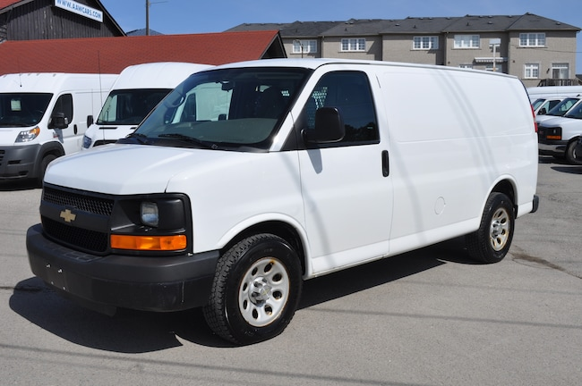 2014 CHEVROLET Express ALL WHEEL DRIVE,DUAL AIR, LOADED