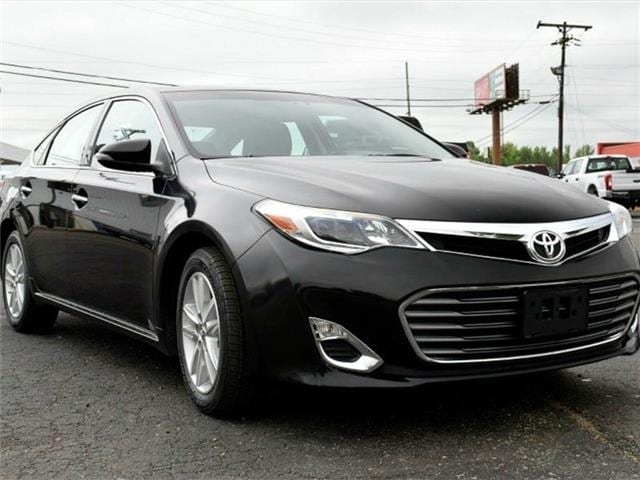 2015 Toyota Avalon XLE Sedan