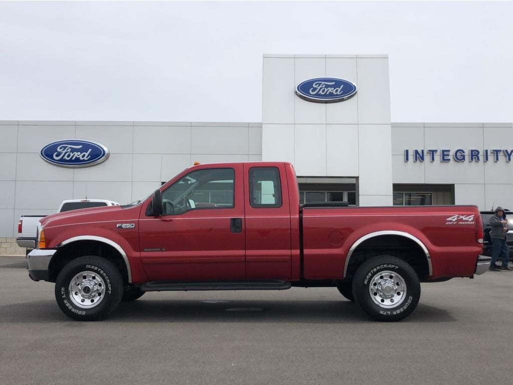 2001 Ford F-250 Supercab 142