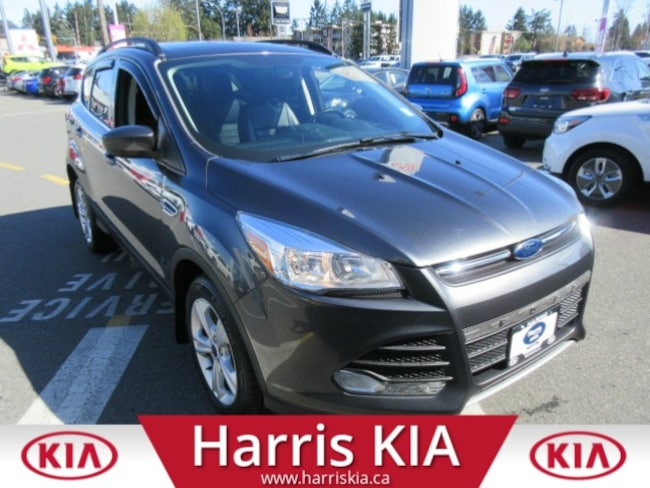 2015 Ford Escape SE 4x4 Ultra Low Kilometers Leather