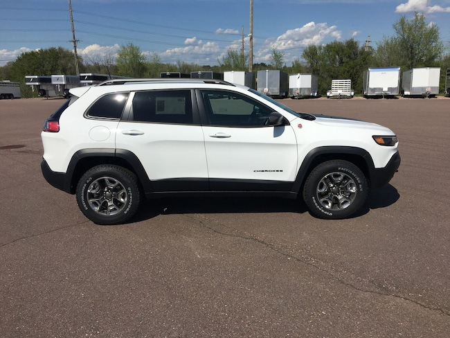 New 2019 Jeep Cherokee TRAILHAWK 4X4 Sport Utility in Mitchell, SD