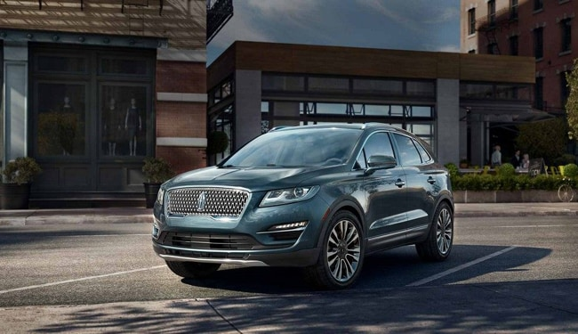 The sleek exterior design of the 2019 Lincoln MKC