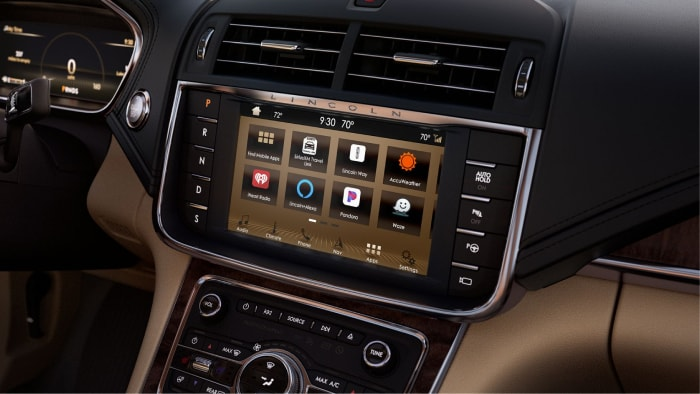 SYNC 3 infotainment system inside the 2019 Lincoln Continental