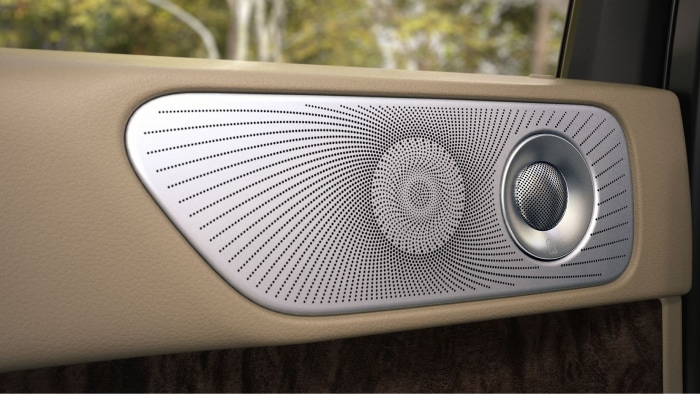 Revel Ultima Audio System available inside the 2019 Lincoln Navigator