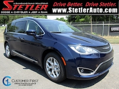 New 2018 Chrysler Pacifica TOURING L PLUS Passenger Van 723490 for sale in York, PA