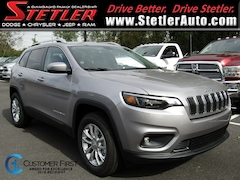 New 2019 Jeep Cherokee LATITUDE 4X4 Sport Utility 724433 for sale in York, PA