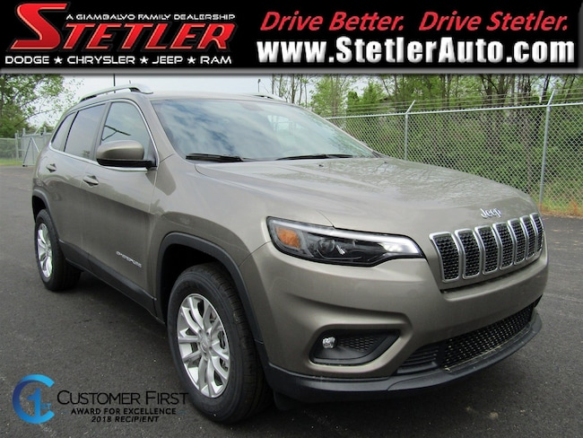 New 2019 Jeep Cherokee LATITUDE 4X4 Sport Utility in York, PA