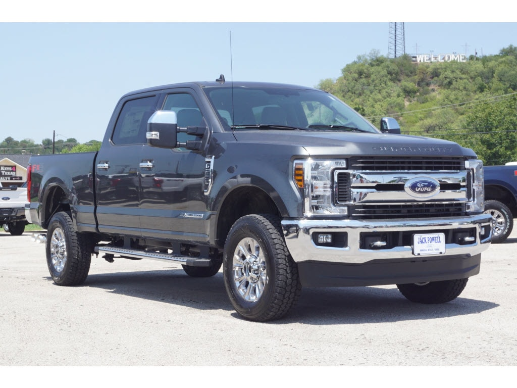 2019 Ford F-250 Super Duty XLT 4x4 XLT  Crew Cab 6.8 ft. SB Pickup