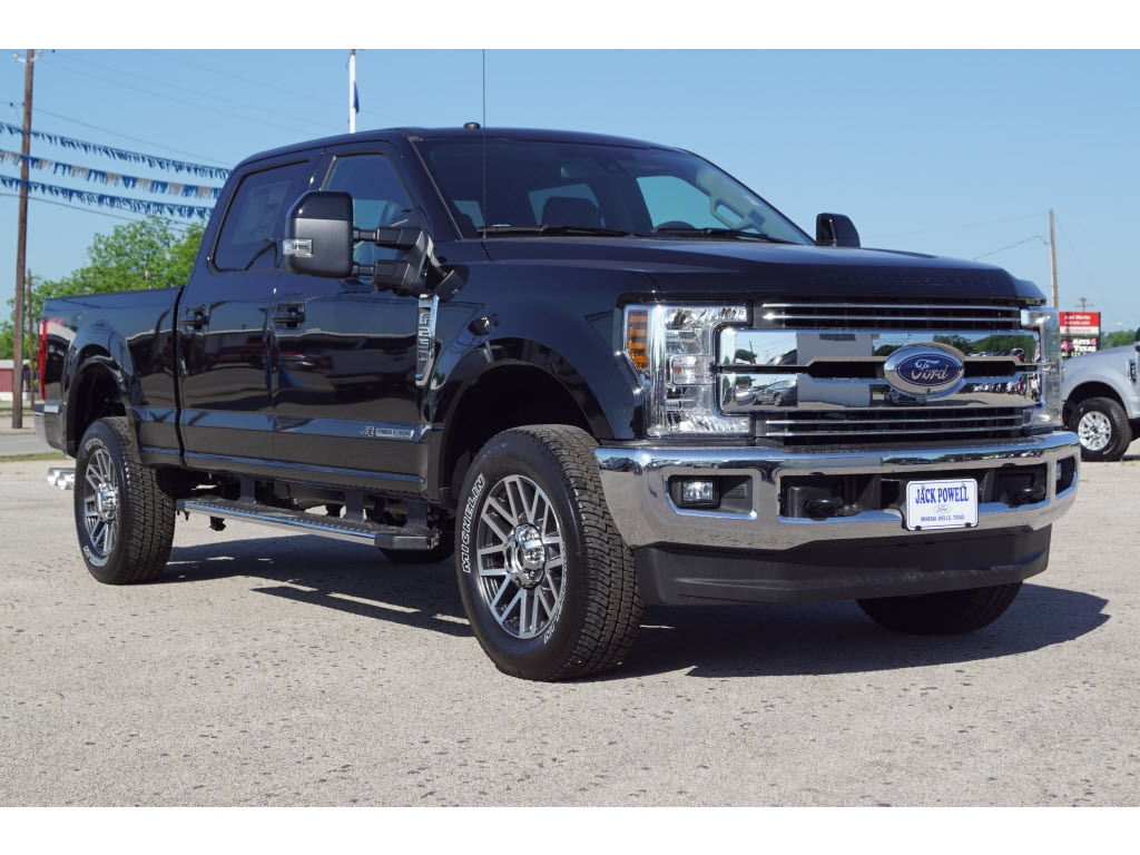 2018 Ford F-250 Super Duty Lariat 4x4 Lariat  Crew Cab 6.8 ft. SB Pickup