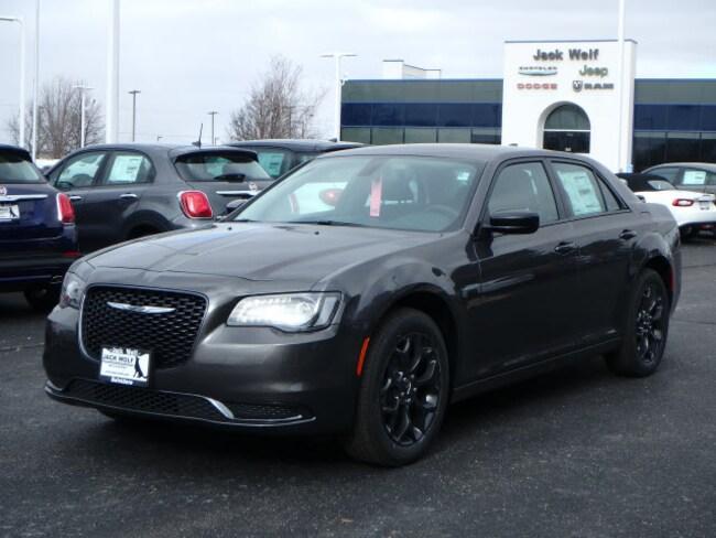 New 2019 Chrysler 300 TOURING AWD Sedan Belvidere